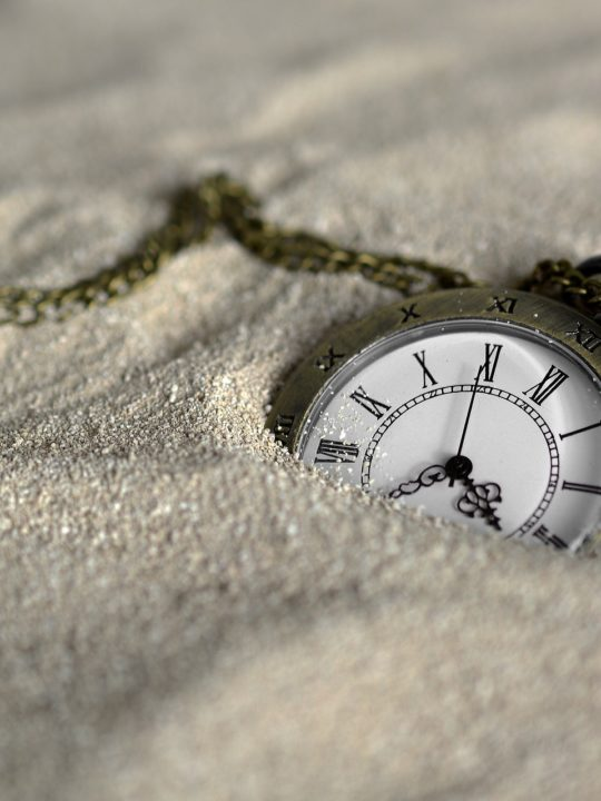 Un homme né en 1955 - Énigme Logique Pocket-watch-3156771_1920-540x720